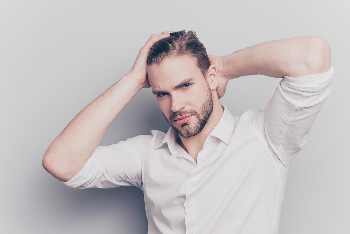 Przetłuszczanie się włosów u mężczyzny Białystok
